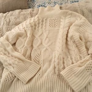 Beautiful cashmere Athleta sweater